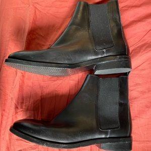 Everlane modern Chelsea boot black